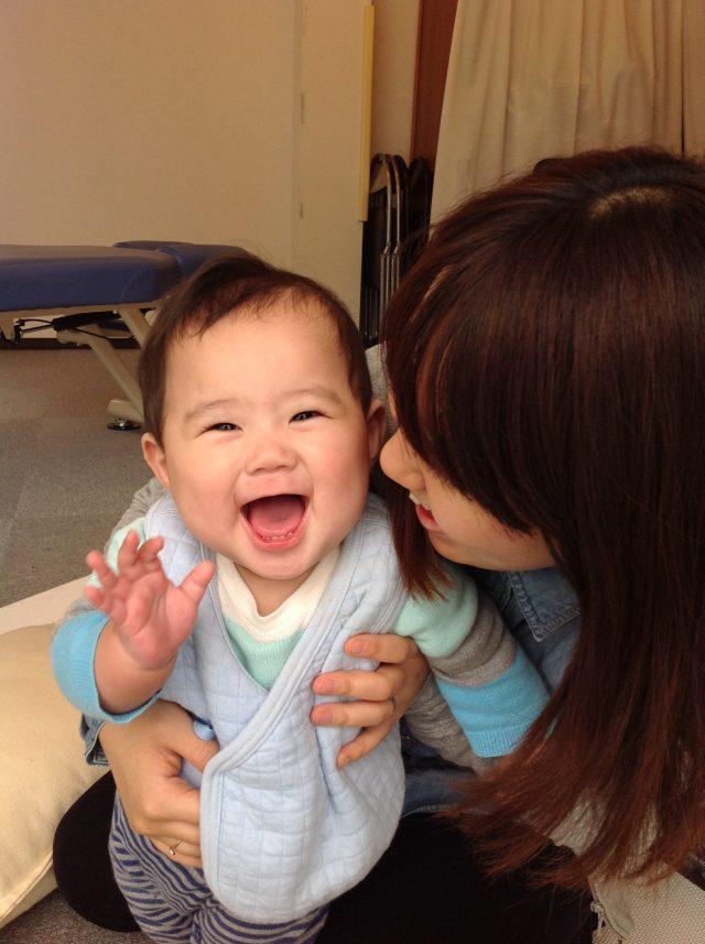 手のぬくもりで施術するため、妊婦さんやお子さんでも安心です。
